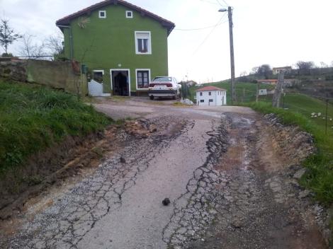 Estado lamentable en el que se encuentra la carretera