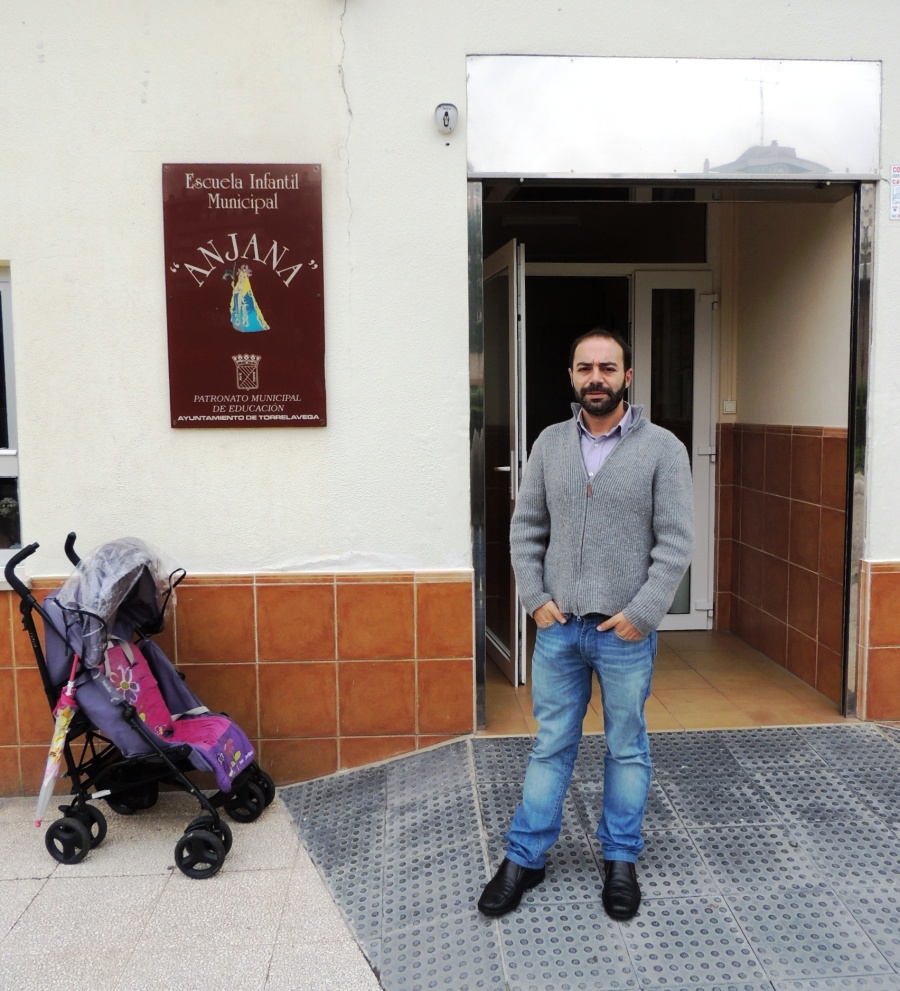 Iván Martínez tras visitar la Escuela Infantil Anjana