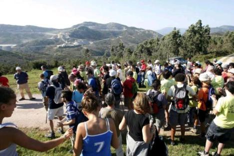 Marcha reivindicativa al Monte Dobra