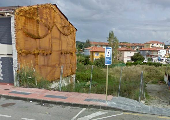 """Solar situado en la Avenida de Bilbao, junto a la rotonda de """"Los Rotarios"""" (Sierrapando)"""