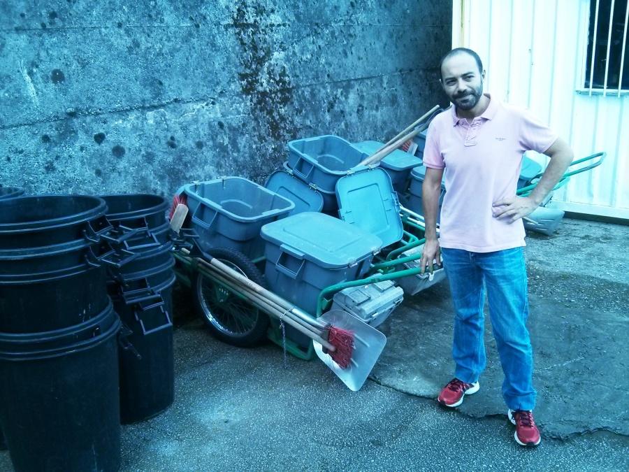 Iván Martínez visitando las instalaciones del Servicio Municipal de Limpieza