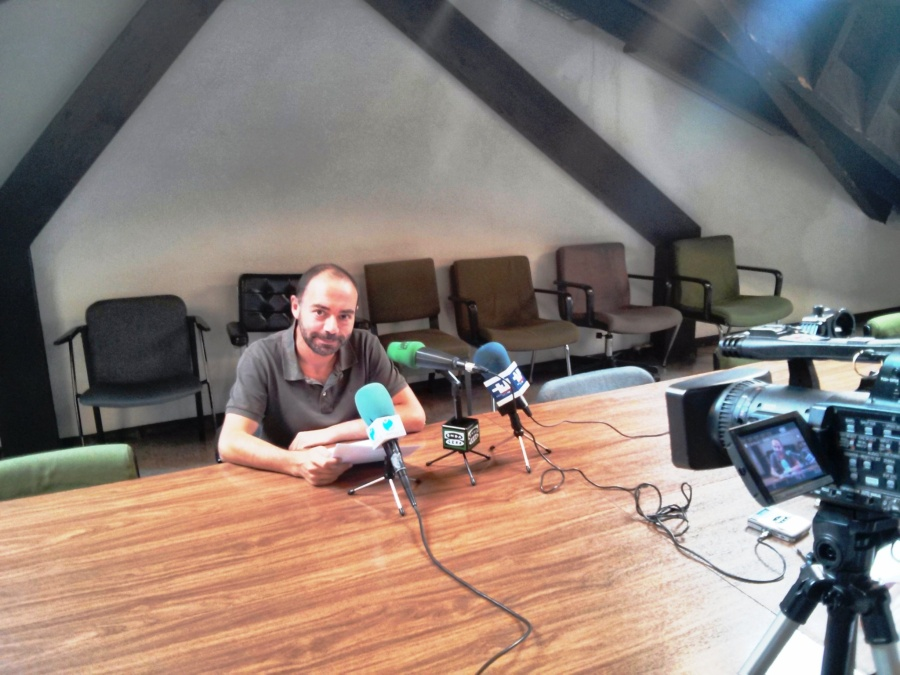 Iván Martínez denunciando la hipocresía del equipo de gobierno sobre el Dobra