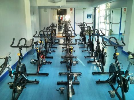 Sala con 15 bicicletas infrautilizadas