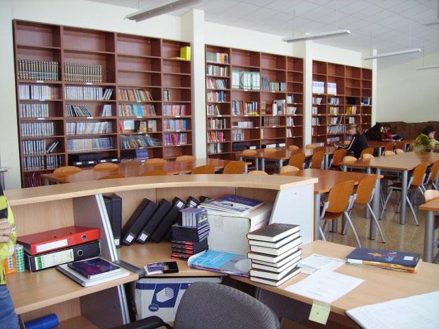 Biblioteca de la Escuela Oficial de Idiomas de Torrelavega
