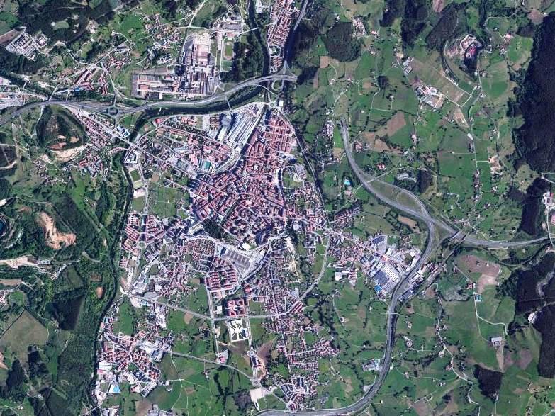 Vista satélite de Torrelavega