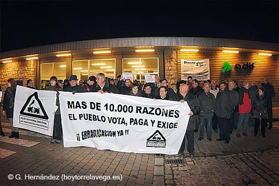 Movilización convocada por la Plataforma Contra las Mercancías tras el accidente en la terminal de Tanos Imagen: Guillermo Hernández (HoyTorrelavega.es)