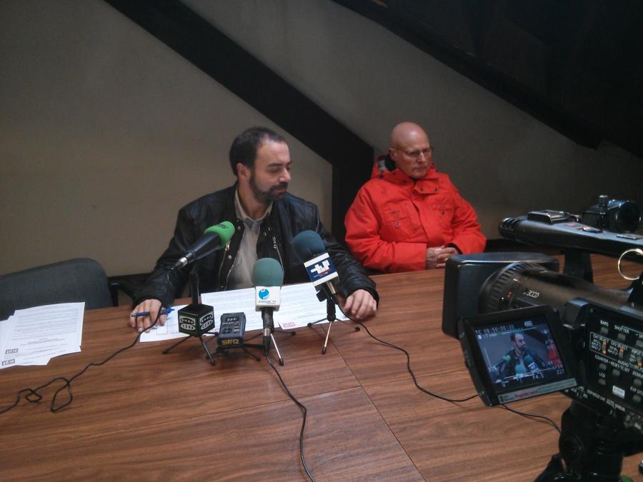 Foto de la rueda de prensa ofrecida esta mañana a los medios