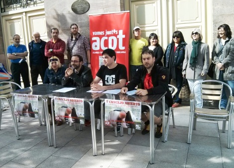 Rueda de prensa de l@s militantes llamando a Concejo