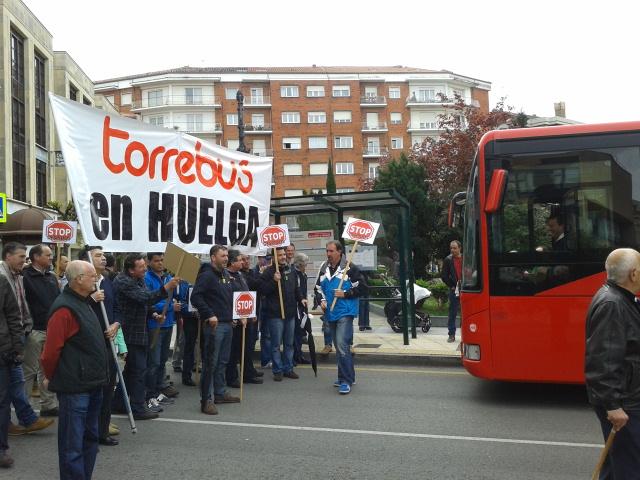 Los trabajadores de Torrebús llevan su lucha al 1º de Mayo