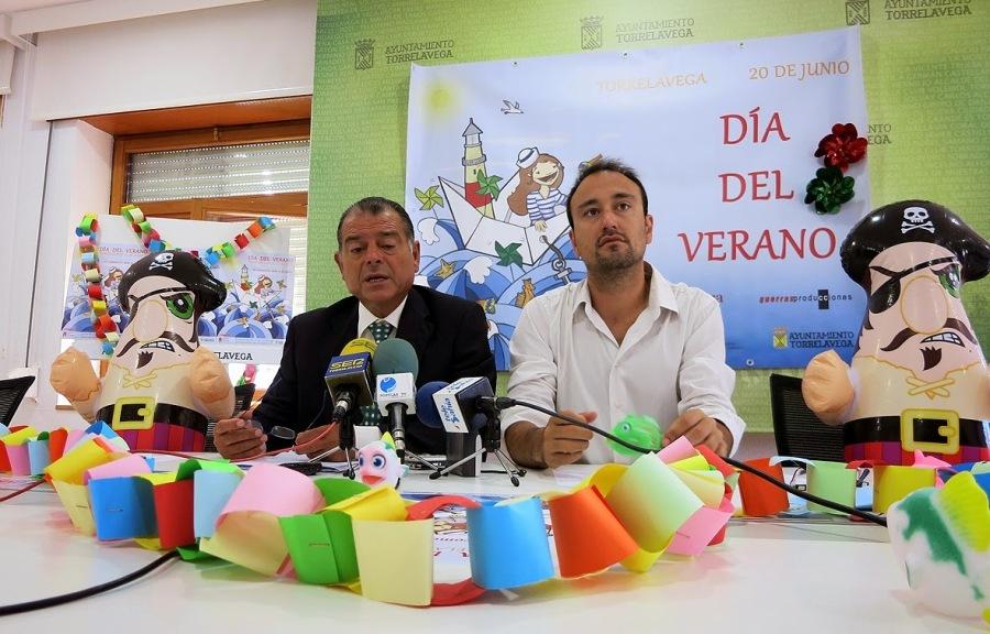 Javier López Estrada, en compañía del presidente de la Cámara de Comercio