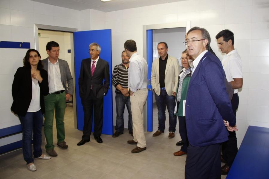 """Inaugurando los vestuarios: """"unas instalaciones dignas y modernas, propias del siglo XXI"""""""
