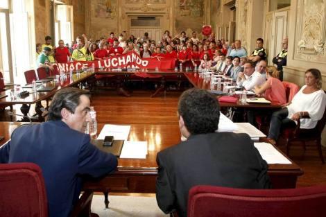 Ildefonso Calderón como alcalde y concejales del PP, poco antes de mandar un receso debido a las protestas laborales y continuar el pleno sin contar con ni avisar al resto de los grupos políticos, en octubre de 2013.